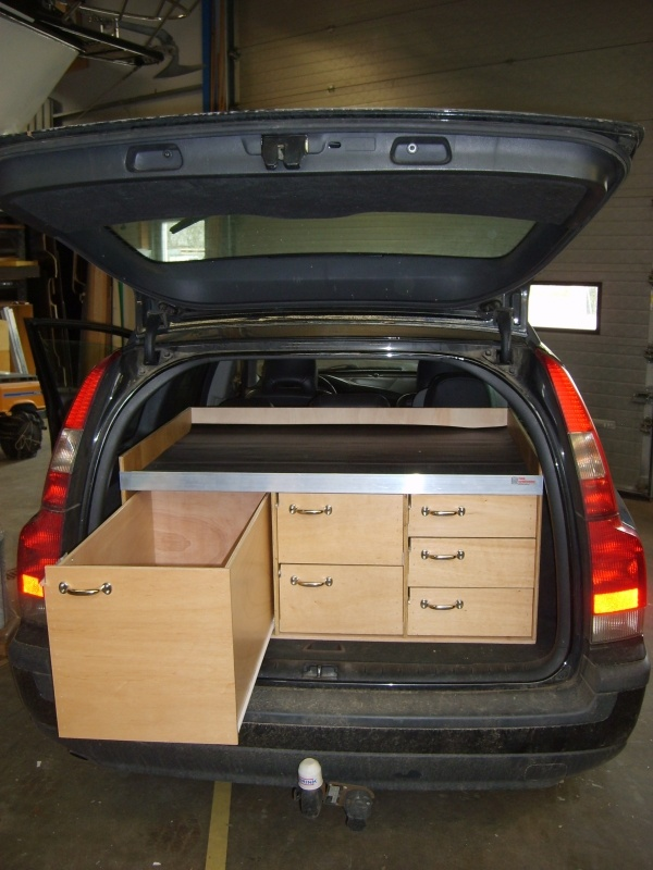 Volvo-dyrlaege-stor-skuffe-bilindretning.jpg