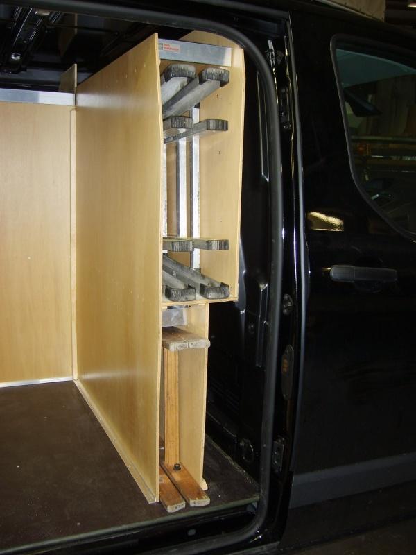 ford-custom-koeleteknik-bilindretning-hoejre-sidedoer