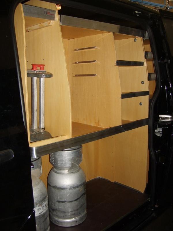 ford-custom-koeleteknik-bilindretning-venstre-sidedoer