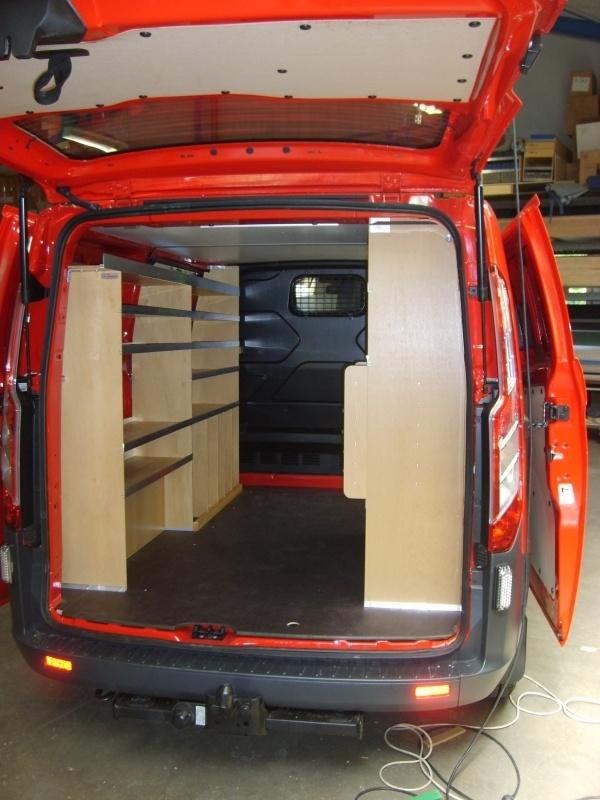 ford-custom-offentlige-fjernvarmeselskab-bilindretning-varerum