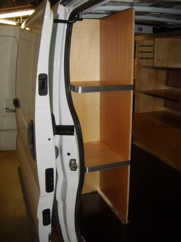 nissan-primastar-toemrer-varebil-indretning-sidedoer
