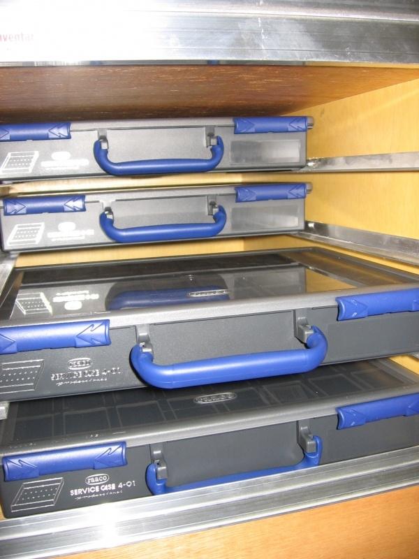 opel-vivaro-elektriker-bilindretning-raaco-sortimentskasser