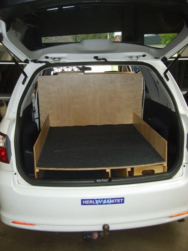 toyota-sportsvan-vvs-bilindretning-billede.jpg