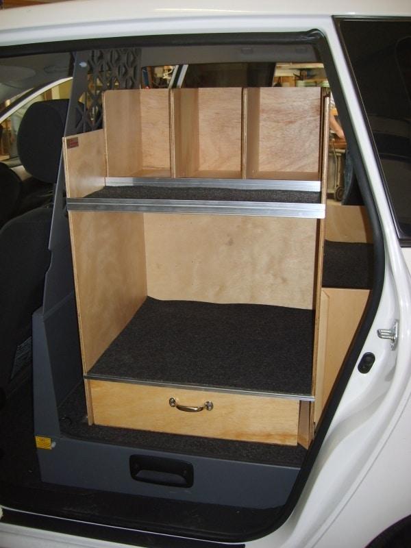 toyota-sportsvan-vvs-bilindretning-sidedoer.jpg