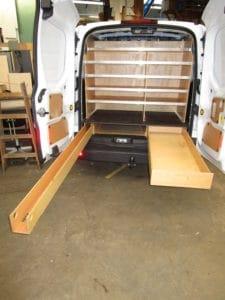 Tvaerreol-i-bag-til-mindre-varevogn-2-225x300