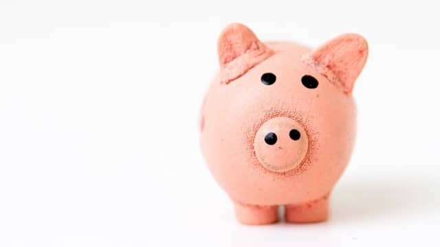 fabian-blank-78637-unsplash piggy bank 16-9