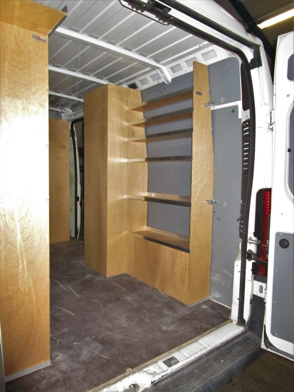 Bilindretning-foto2-set-skraat-bagfra-V-side-I11-0015-14-00