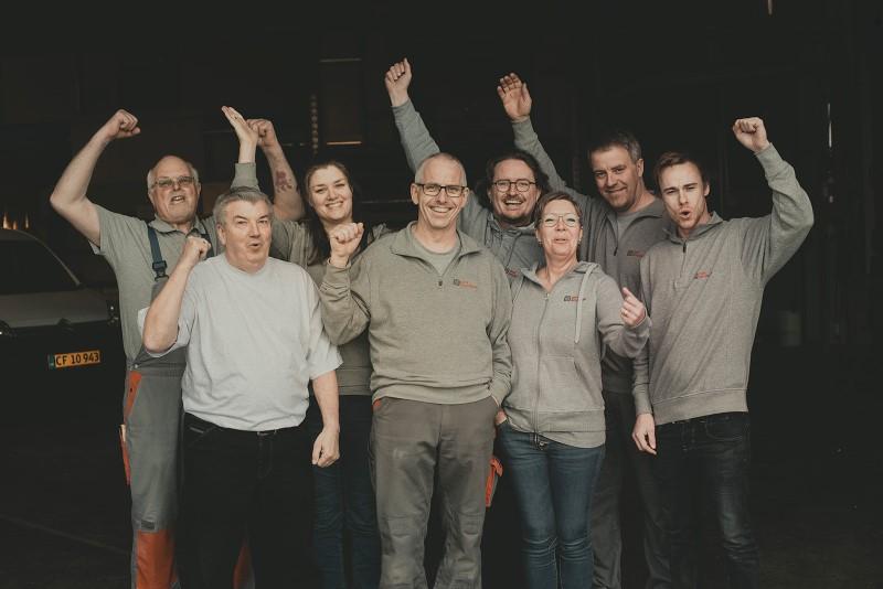 Vi elsker bilindretning - Dansk Varebilindretning - siden 1986 (Custom)