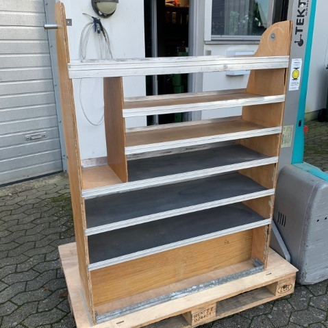 brugt bilindretning-højre sides reol str 6-dansk varebilindretning kvadrat